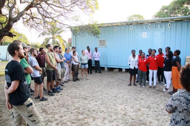 Eröffnung Zahnprophylaxe-Container Mosambik